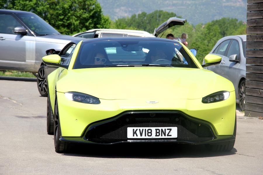 Aston Martin Vantage 02