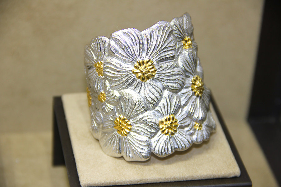 Buccellati Blossom jewellery category